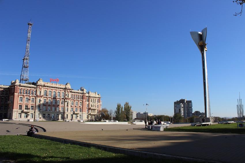 здание РЖД в Ростове-на-Дону